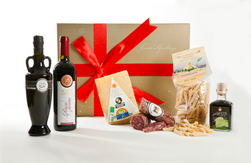 Send to your family, friends and collegue an hampers full of great food and wine