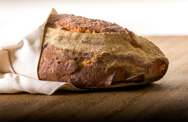 the product that best symbolizes Romito's philosophy, fruit of a thorough study of flours, doughs and leavening methods, it is the focus of a new project which, thanks to the intelligent use of the refrigeration chain, will bring Romito's famous bread to homes, restaurants and shops all over Italy and the world.